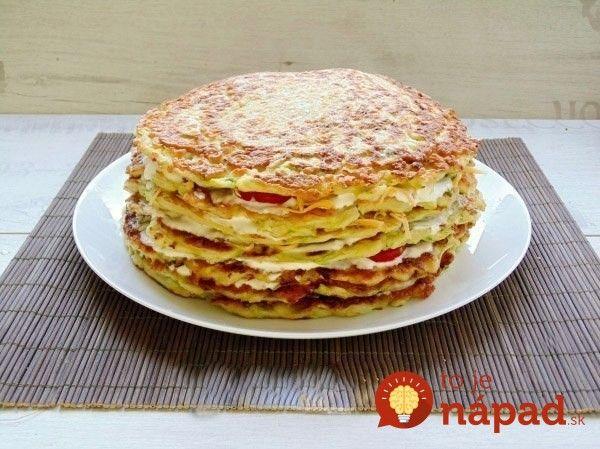 Skvelé pohostenie pre vašich hostí, alebo jednoducho chutná a originálna večera. Vyskúšajte slanú tortu z cukety a jogurtovo-cesnakovej náplne! :-)