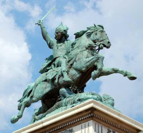 Frédéric Auguste Bartholdi : Statue équestre de Vercingétorix. Clermont-Ferrand (Puy-de-Dôme, France) Place de Jaude