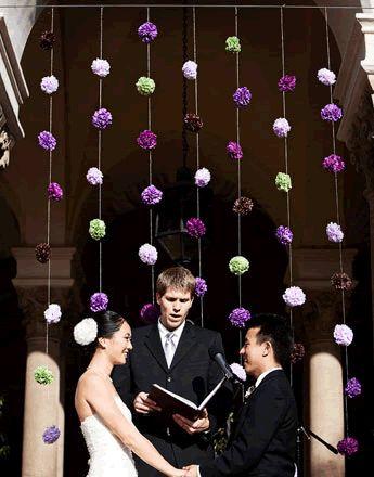 Cortina de pompons para efeitar casamentos