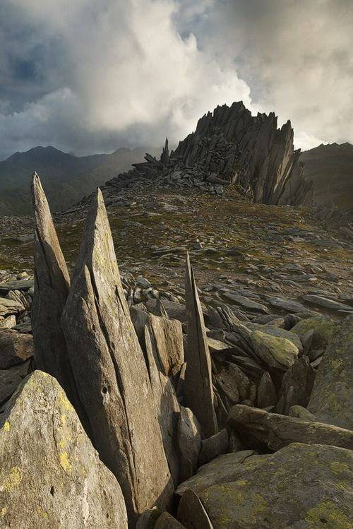 wanderthewood: Castell y Gwynt (Castle of the Wind), Snowdonia, Wales by Alex37 on DeviantArt I have been there!!