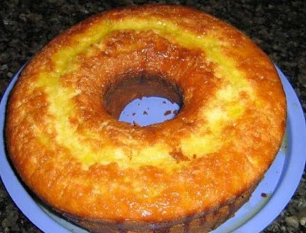 Bolo de laranja de liquidificador: Blenders Cooking, Laranja De, Bolus, Brazilian Food, Mini Cake Recipe, Blender, Sweet Recipes, Brazilian Recipes, Orange Cake