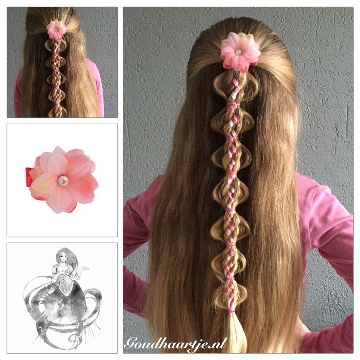 Bubble ponies with a six strand ribbonbraid. The ribbon and the pretty hairflower are  from Goudhaartje.nl Inspired by: @simplystranded (facebook/instagram)    #braid #braids #hair #hairstyle #hairstylesforgirls #longhair #beautifulhair #halfup #halfupdo #ribbon #ribbonbraid #sixstrandbraid #hairinspiration #hairideas #hairclip #hairflower #hairaccessory #vlecht #vlechten #haar #haarstijl #langhaar #mooihaar #lint #zesstrengenvlecht #haarclip #haarbloem #haaraccessoires #goudhaartje