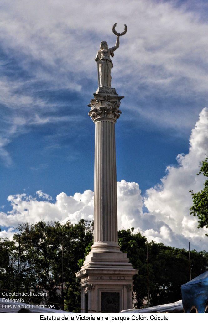 Estatua de la Victoria ubicada en la Avenida 2 frente a la biblioteca Departamental Julio Pérez Ferrero.