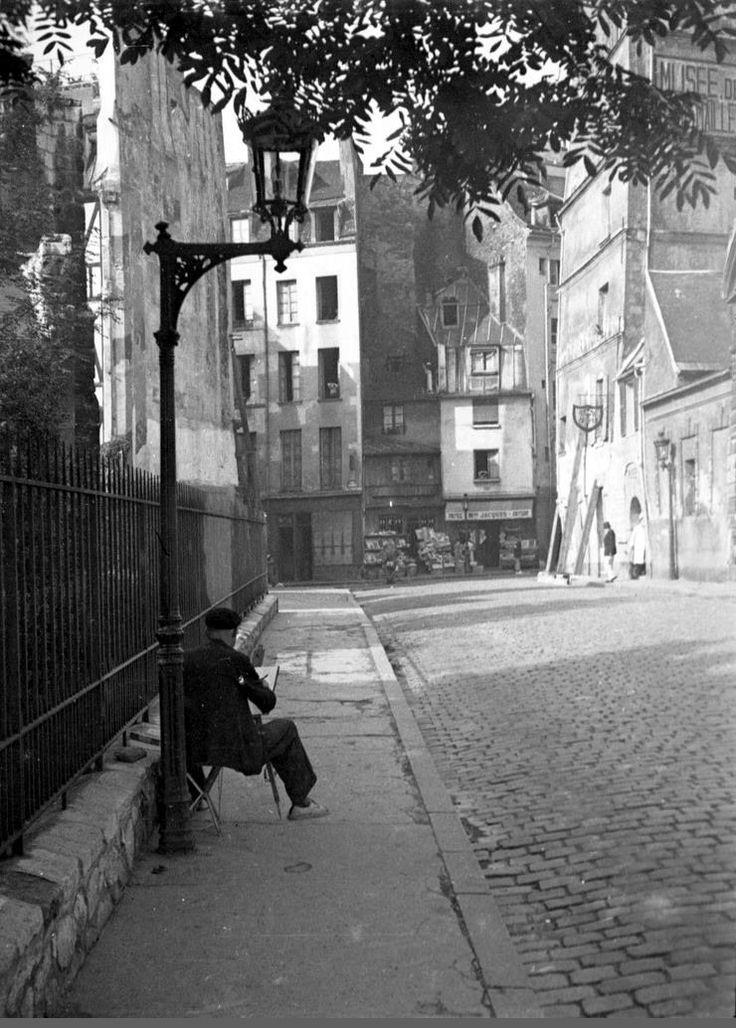 Rue Saint-Julien-le-Pauvre. Au fond---Rue Galande. - Paris 5ème