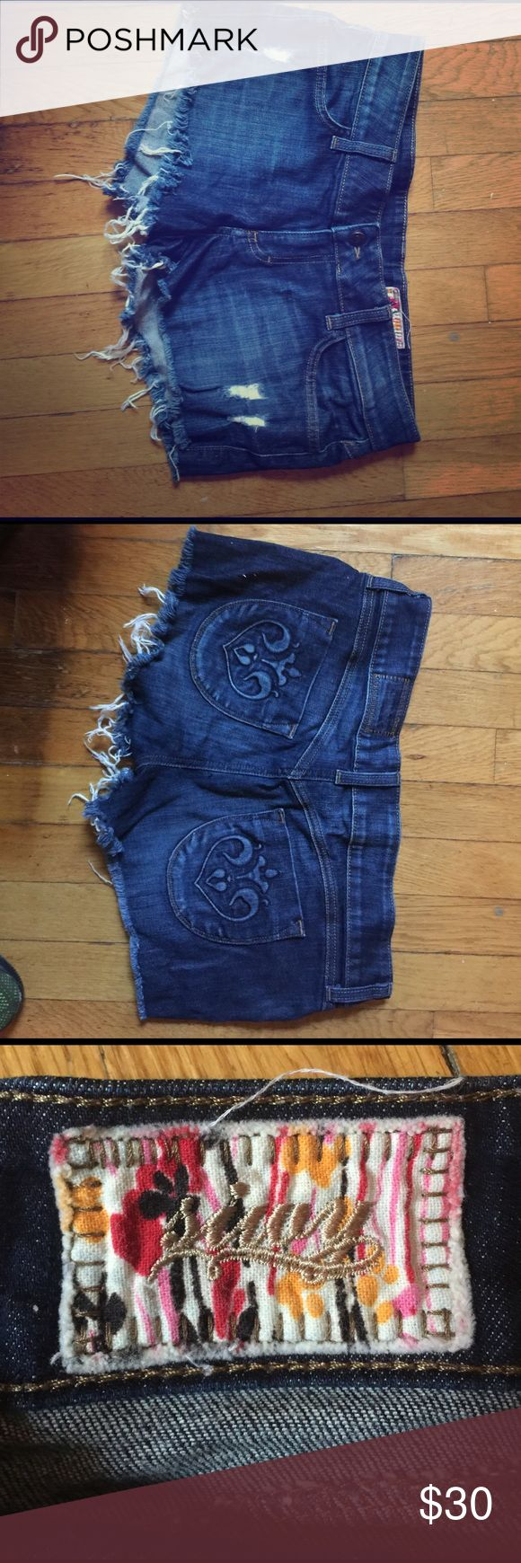 Siwy cutoff denim shorts Super cute and comfortable cutoff jean shorts. Back pockets have a cool design. It has enough stretch that it moves with you and doesn't dig into you anywhere. Love these shorts! Siwy Shorts Jean Shorts