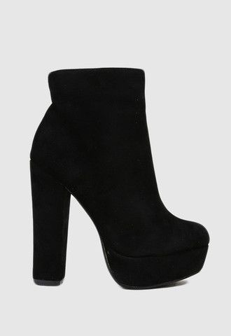 High Rise Platform Boot....I've officially fallen in love with the greatest pair of shoes ever. Seriously. They don't get better than this.