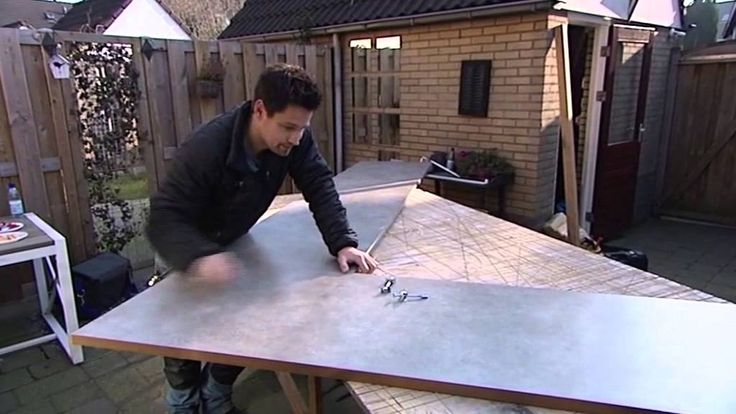 Hoe monteer je een werkblad met spoelbak?