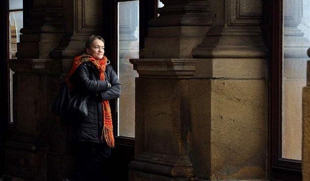 Spisovatelka Tereza Boučková se vrací po osmi letech na místo činu. V právě vydané próze Život je nádherný pokračuje tam, kde skončila ve veleúspěšném Roku kohouta.