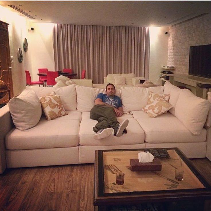من مميزات كنب لڤساك يتغير شكله على حسب رغبتك هذه الكنبة عميقة و رهيبة لغرف السنما!  #Lovesac #deepsofa #sofa #sactionals #colors #fabrics #design #interiordesign #jeddah #riyadh #dammam #saudiarabia #furniture #comfort by lovesac_saudiarabia
