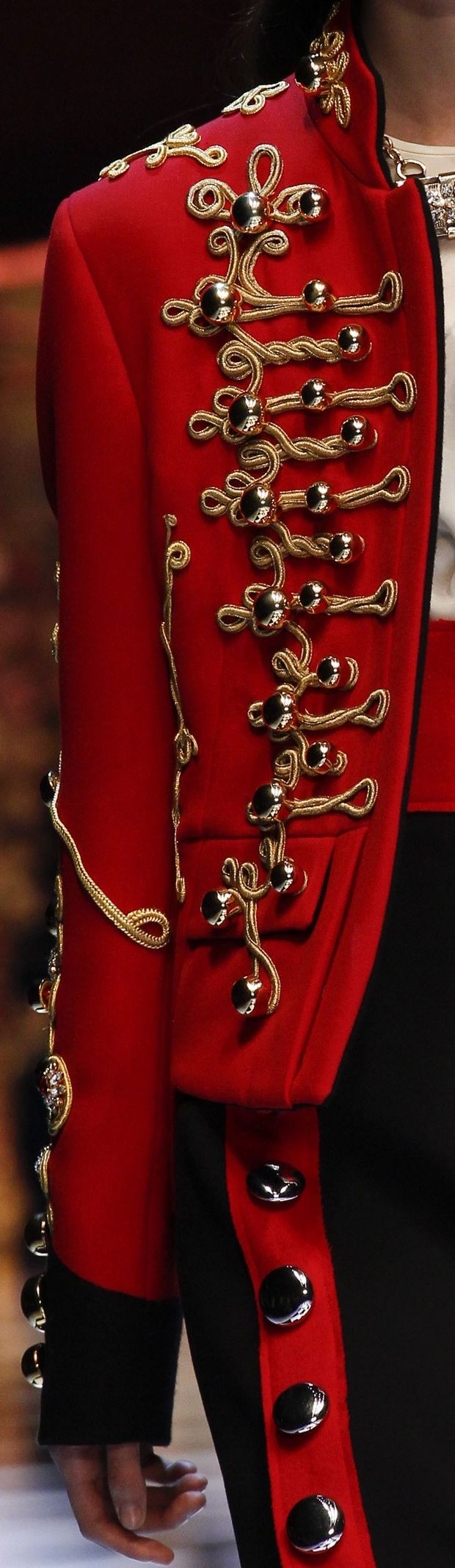 Fall 2016 Ready-to-Wear Dolce & Gabbana | Inna Erten