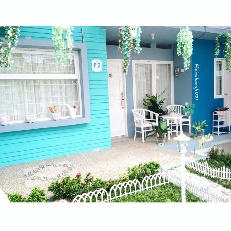 Cuma depan rumah doank yg pinkpink nya cuma seuprit Haii..Assalamualaikum..Good Morning..Blessed Friday.. . #alhamdulillah #home #homesweethome #homedesign #homestyle #homedecoration #homedecor #myhome #myhouse #pastel #rumahcantikalisha1 #kalimantan #baitijannati #shabbychic #shabby #shabbystyle #shabbyhomes #garden #terrace #floral #flowers #teras #mygarden #alhamdulillah #view #homeview #creativity #rumah #taman #floralhome #friday