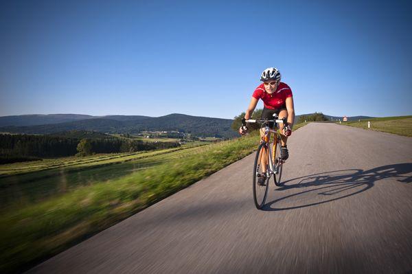 Den #Weitblick im #Mühlviertel beim #Radfahren entdecken. Weitere Informationen zu #Radurlaub im Mühlviertel in #Österreich unter www.muehlviertel.at/radfahren - ©Oberösterreich Tourismus/Erber