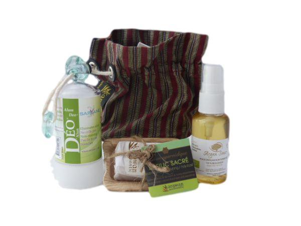 1 huile d'argan cosmétique bio 30ml  1 déo stick alun 60 gr  1 savon/shampoing ayuvédique60gr    Idéal pour le transport.  Vos produits cosmétiques bio toujours à porté de main même en voyage.