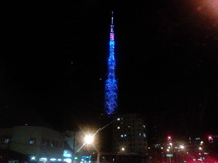 minha cidade fotografada por mim ( Torre de transmissão da TV Bandeirantes ).