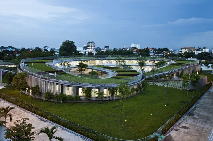 Farming Kindergarten / Vo Trong Nghia Architects http://votrongnghia.com/projects/ Located next to a big shoe factory, and designed for 500 children of the factory's workers, the building is conceived as a continuous green roof, providing food and agriculture experience to children, as well as an extensive playground to the sky. ..... http://www.archdaily.com/566580/farming-kindergarten-vo-trong-nghia-architects/