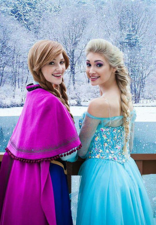 Anna And Elsa - good cosplay!