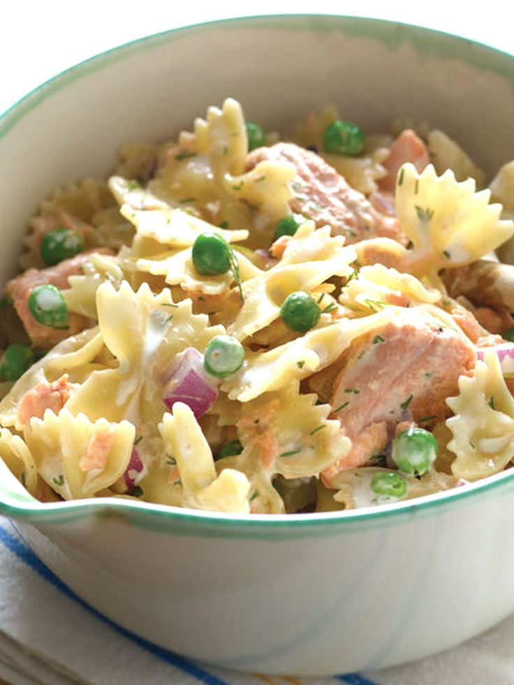 The combination of pasta and salmon, seasoned with onions and lemon, makes a tasty dish that would be an amazing main course for a luncheon or a family dinner! Make this Bowties with Salmon and Peas in Lemon Dill Sauce this week! http://www.joyofkosher.com/recipes/bowties-with-salmon-and-peas-in-lemon-dill-sauce/