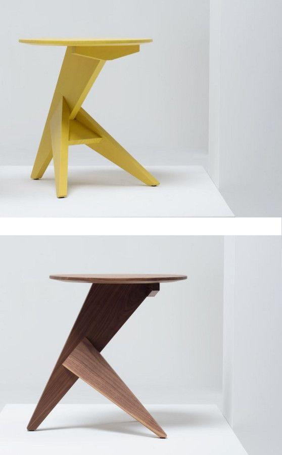 Round wooden #table for living room MEDICI by Mattiazzi | #design Konstantin Grcic @mattiazzisrl