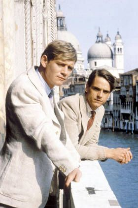 Sebastian & Charles in Venice - Anthony Andrews and Jeremy Irons in Brideshead Revisited