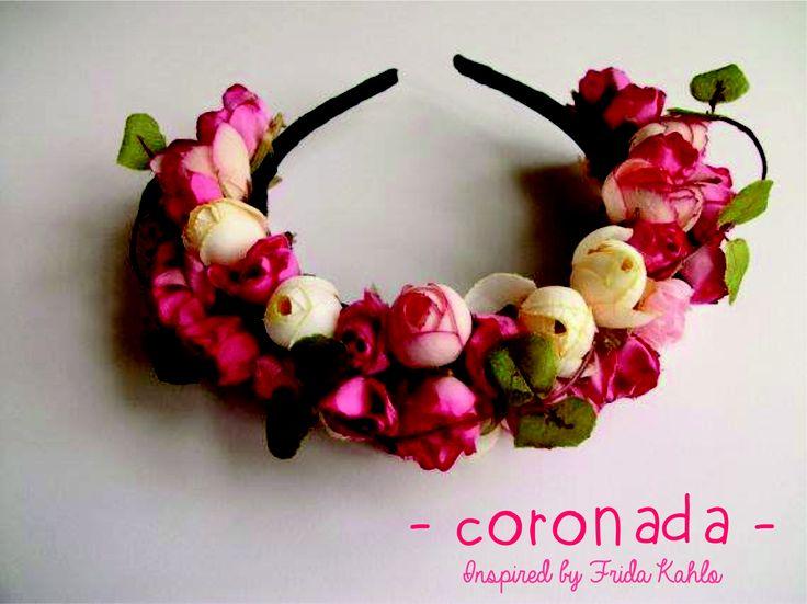 Vinchas con flores Coronada. Hace tu pedido entrando a: www.facebook.com/accesorioscoronada  Insipired By Frida Kahlo #FlowerCrown #Frida #VinchasConFlores