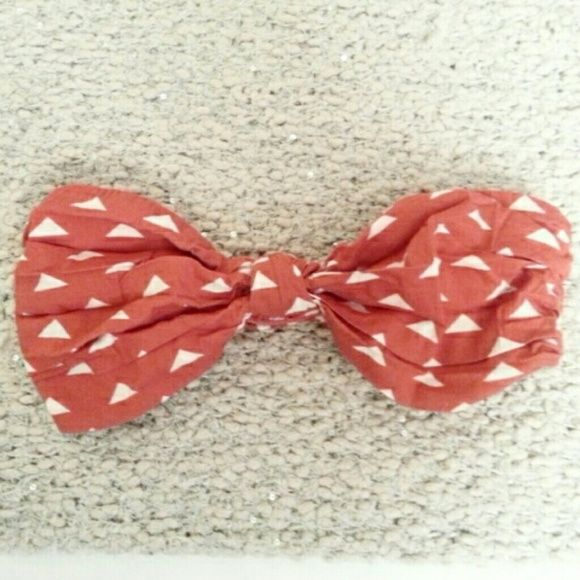 Anthropologie Red Bandeau Top Sz S Super cute, bound front and stretchy back. Red with cute white triangles to wear alone around the house or under a fashionable low back or flowy top. Strapless bandeau / bralette Anthropologie Intimates & Sleepwear Bandeaus