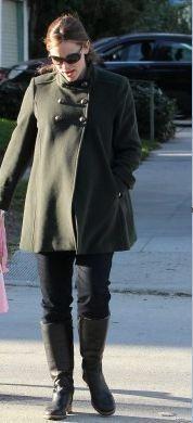 Who made Jennifer Garner's green coat? Coat – Isabella Oliver