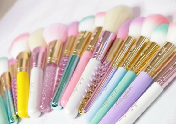 Inspired by the prettiness of Tiffany & Co. and made for one of my all-time favorite glam girls, Madison Miller! This beauty brush set brings together M...