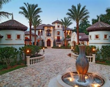 Love this Spanish style home!