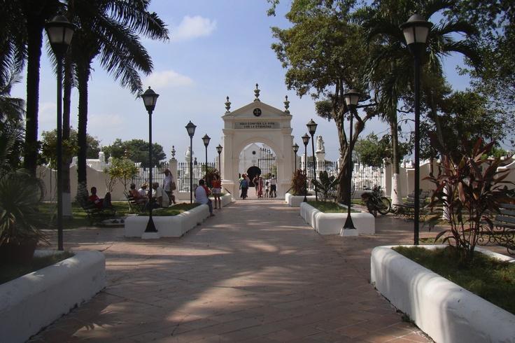 Cementerio Mompox (Entrada)