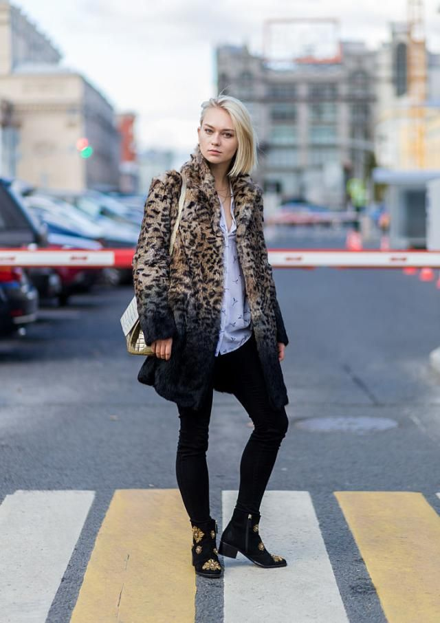 31 Winter Outfit Ideas - Your Daily #OOTD Inspiration for This Winter: Animal Print Coat and Black Jeans