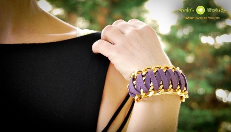 Handmade bracelet in purple!