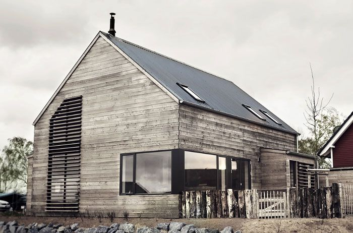 Stylish Boat House | NordicDesign Photos:  Strandwood House via Desire to Inspire