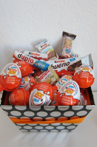 Kinder Chocolate gift basket:Kinder Happy Hippo, « Blast Gifts