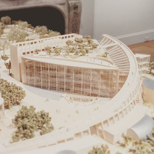 . _______________________________________________ Global Citizen: The Architecture of Moshe Safdie _______________________________________________ Salt City Public Library Safdie - 2003 #moshesafdie #library #architecture #model #maquete Source @raynaldotheodore