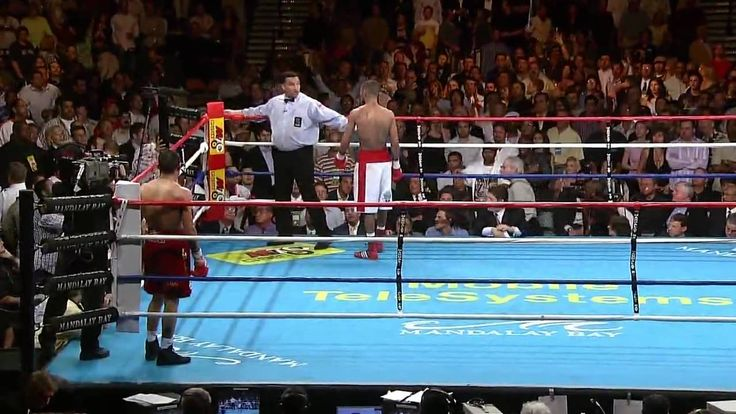 Diego Corrales vs Jose Luis Castillo Round 10. Forgot how great this match was until recently! Round 10 - amazing!...'you gotta fuckin get on tha' inside of him now' ...