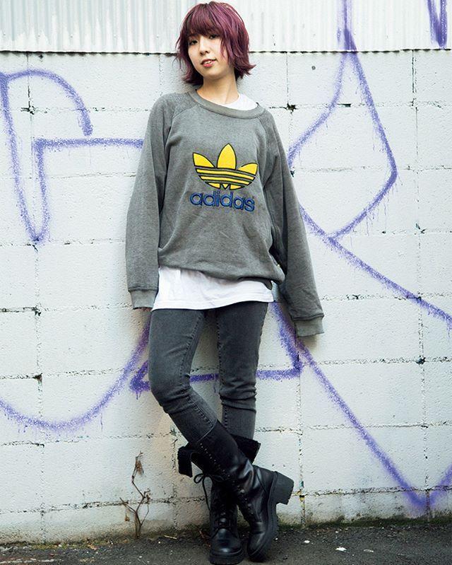 ナイロニスタ必須アイテムであるスポーツブランドロゴイエローブルーが鮮やかなアディダスのロゴスウェットはラフに着こなすのが April issue P89 ART BABE SNAP model @miriishii tops @adidas #vintage bottoms @gap shoes @marcjacobs #nylonjapan #nylonjp #fashion #art #nylonblogger # streetsnap #streetstyle #sportslogo #logoitem #caelumjp  via NYLON JAPAN MAGAZINE OFFICIAL INSTAGRAM - Celebrity  Fashion  Haute Couture  Advertising  Culture  Beauty  Editorial Photography  Magazine Covers  Supermodels  Runway Models