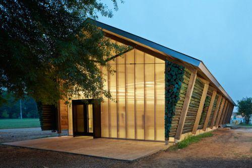 Lions Park Scout Hut in Greensboro Alabama een clubhuis voor padvinders dat gebouwd is door studenten in een leertraject bij Rural Studio.