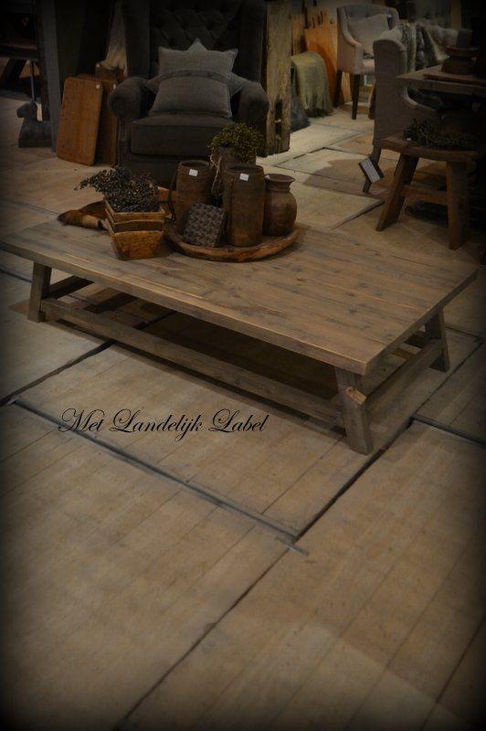 Stoere salontafelvan Baltisch grenen, kan in elk gewenste afmeting gemaakt worden. (ook in een ander model) Zeer sterk afgelakt en mooi robuust. 100×100 cm: €669,= / 120×70 cm: €669,= / 130×80 cm: €699,= / 150×80 cm: €729,=