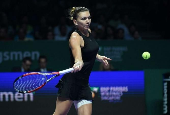 Simona Halep Dominates Below Par Serena Williams in Singapore!