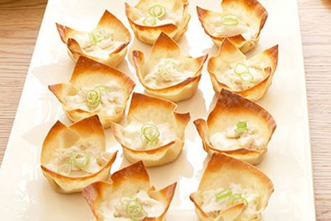 Learn how to make these crispy Baked Crab Rangoons filled with creamy crabmeat! Watch the video to find out more about this Healthy Living appetizer recipe.