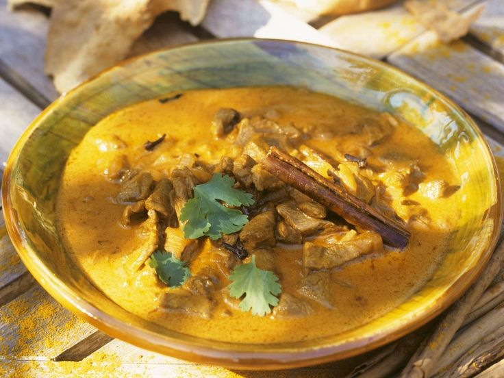 Curry mit Schwein und Knoblauch