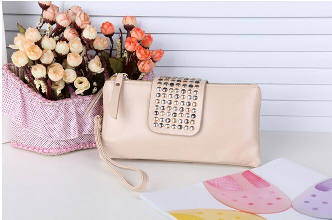 New Arrival women Day PU beige clutch bag wallet new style fashion Rivet handbag woman high quality women bag bolsa feminina Check more at http://clothing.ecommerceoutlet.com/shop/luggage-bags/womens-bags/new-arrival-women-day-pu-beige-clutch-bag-wallet-new-style-fashion-rivet-handbag-woman-high-quality-women-bag-bolsa-feminina/