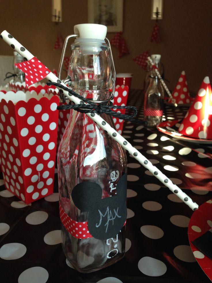 Drikkeflasker til Mikke Mus tema bursdag.