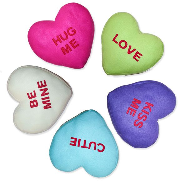 Valentine Candy Heart Pillows Tutorial with Free Pattern | Jessica Peck ... http://jessicapeck.blogspot.com/2011/01/valentine-candy-heart-pillows-tutorial.html#