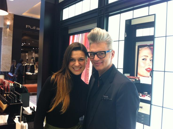 Schuster Lili, az Instyle szépségszerkesztője,és Eduardo Ferreira, a Bobbi Brown nemzetközi sminkmestere.