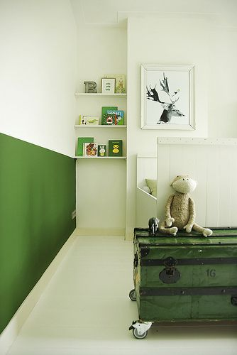 ::green chalkwall and book shelves:: kids room, nursery © by MyDeer.nl