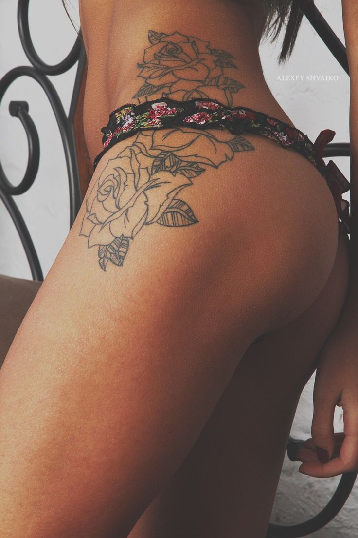 roses hip tattoo.