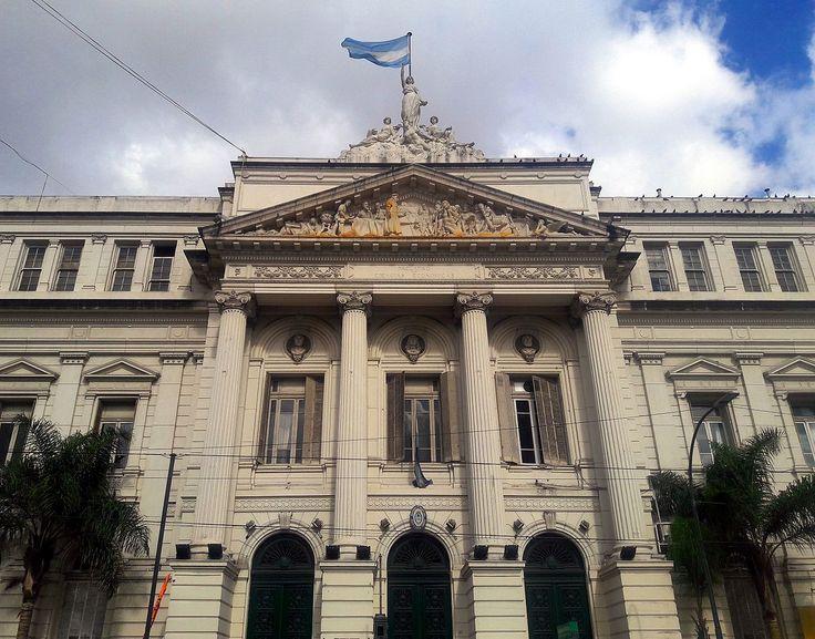 La educación argentina puede volver a ser lo que era si entre todos la defendemos y potenciamos su valor. Por primera vez, la Universidad de Buenos Aires llegó