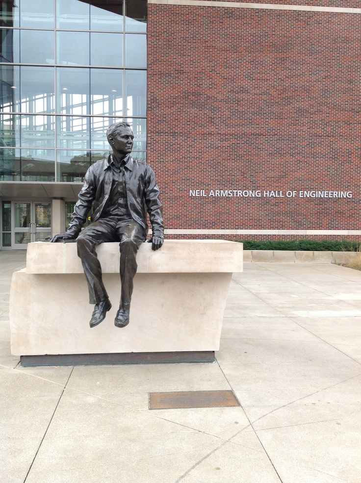 Neil Armstrong statue