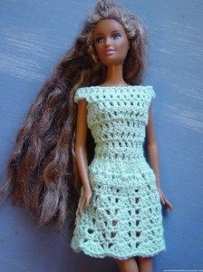 A LOT of free patterns (crochet ) patterns for Barbie & Shelley / Kelly..clothes, easy blankets for the beginner etc...also, there is lots of interesting stuff about Barbies' rehabs etc.....Take a look --it's worth it !